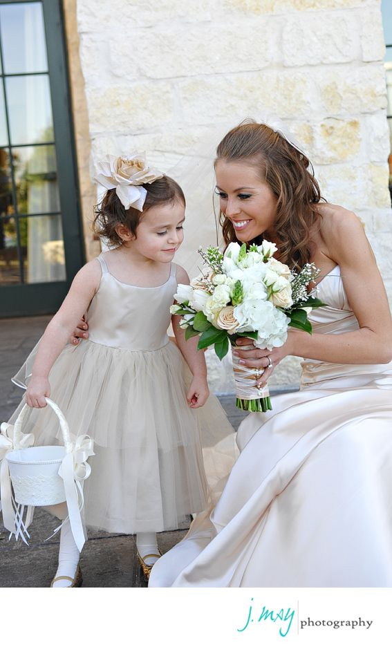Wedding Photographer Dallas | Best Wedding Photographer Dallas | J May Photography | Jen Mabray | Flower Girl