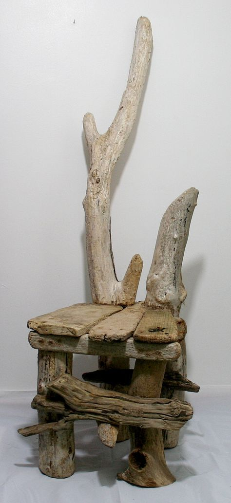 Chaise originale avec les moyens du bord recycling bois flott travaux du bois de grange - Chaise bois flotte ...
