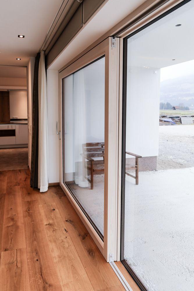 Hebeschiebetüre in Fichte lasiert-Maco Beschläge woonkamer - moderne holzdecken wohnzimmer