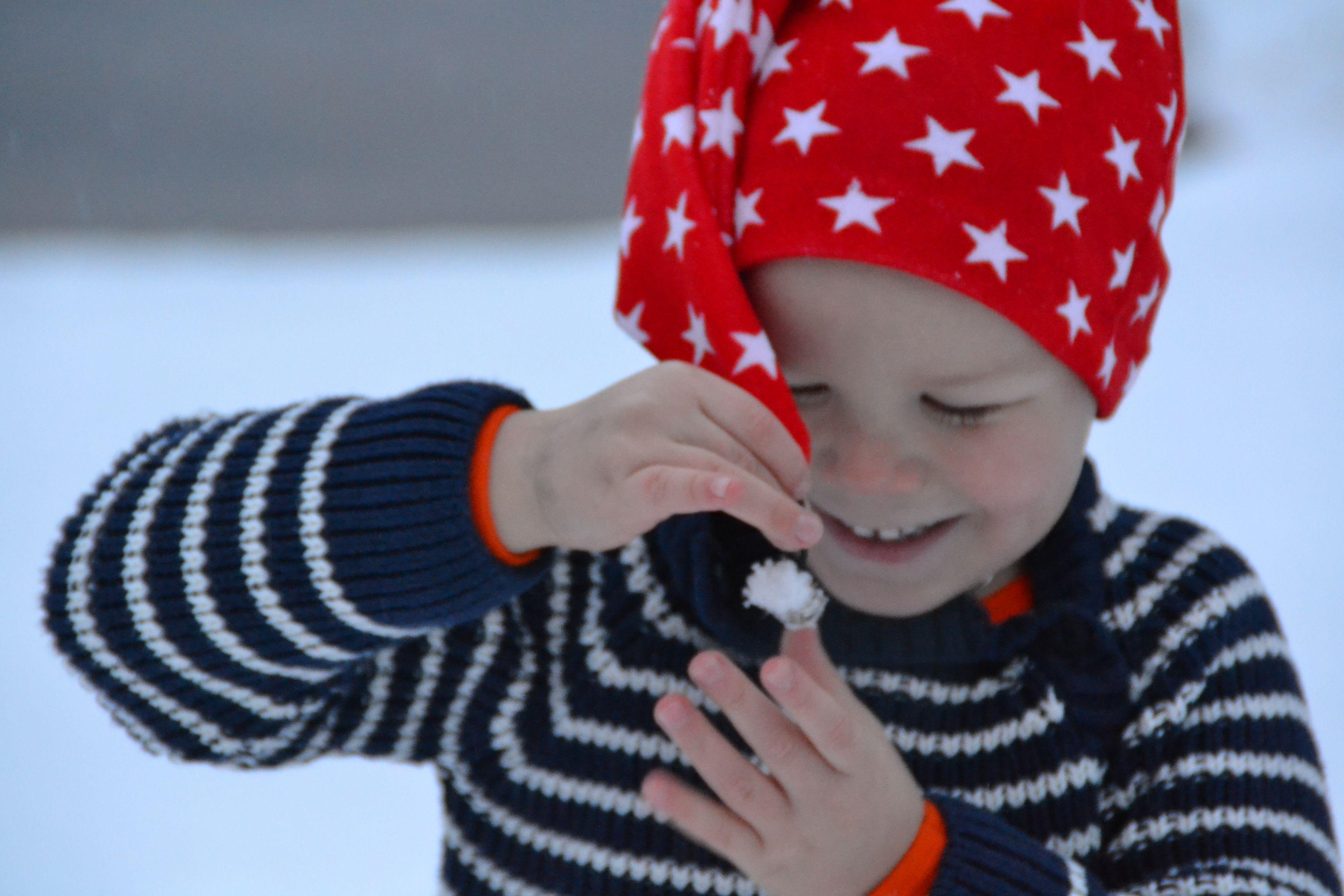 ... ja kulkunen tupsahtaa lumeen.