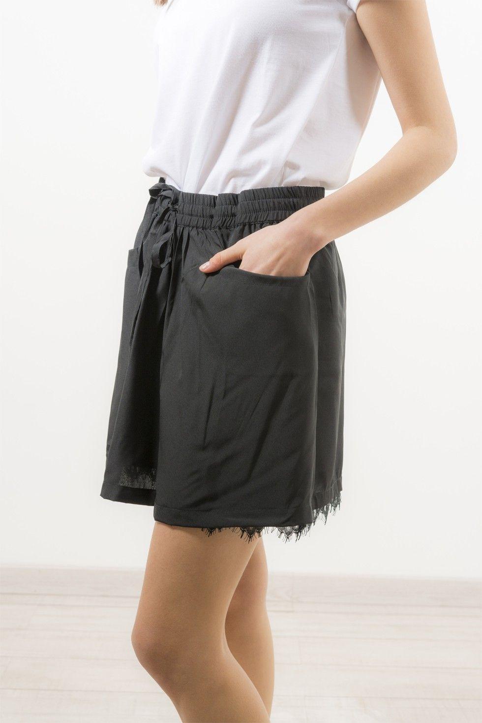Épinglé sur Jupes & Shorts