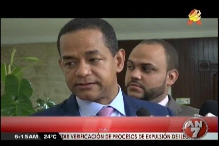 Continúan Las Reacciones Por El Despojo Del Visado De Roberto Rosario