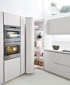 Hoek vd keuken wordt een voorraadkast