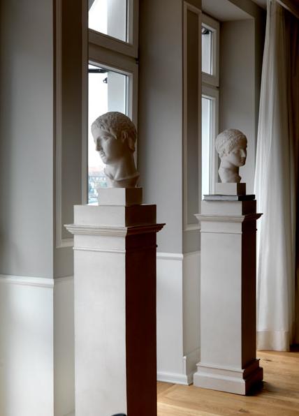 Heidelberg suites michele bonan arte y esculturas en Esculturas decoracion