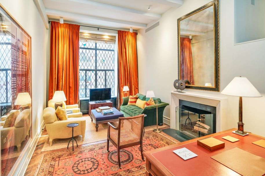 Ina Garten S Nyc Pied A Terre Hits The Market For 2 Million Apartment Interior Living Upper East Side Apartment Nyc Apartment