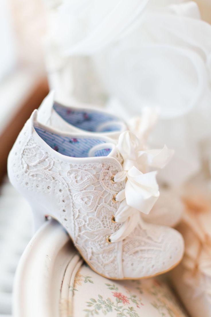 Wedding shoes for lace dress  Zapatos de novia originales  Zapatos  Pinterest  Rosario Wedding