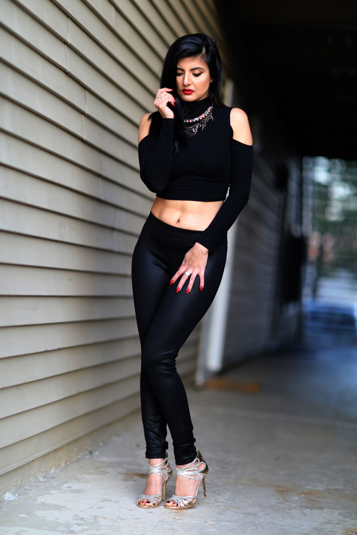 454e2baaa1c6e Black faux Leather pants and black crop top | The 90'Spice-Girls ...