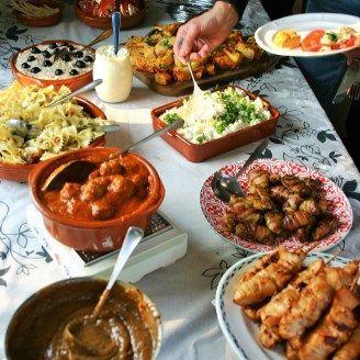 Bekend Tapasfeestje een mooie tapastafel of tapasbuffet met lekkere tapas @JN29