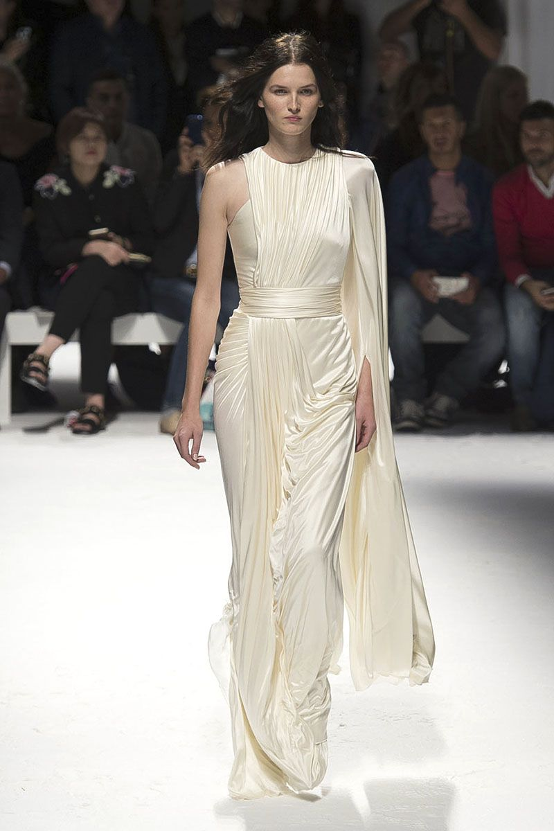 Untraditional wedding dresses   Unexpected Bridal Looks from Fashion Week  Fashion weeks Milan
