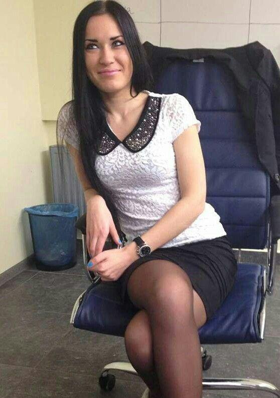 Professional Wear Secretary Beautiful Las Stockings The Office Offices Legs Wardrobe Good Looking Women