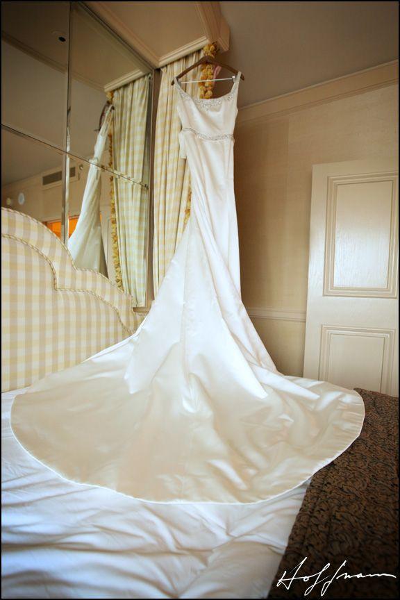 Classy And Elegant Reem Acra Gown Www Reemacra Com Orange County Wedding Photographer Designer Wedding Gowns Orange County Wedding