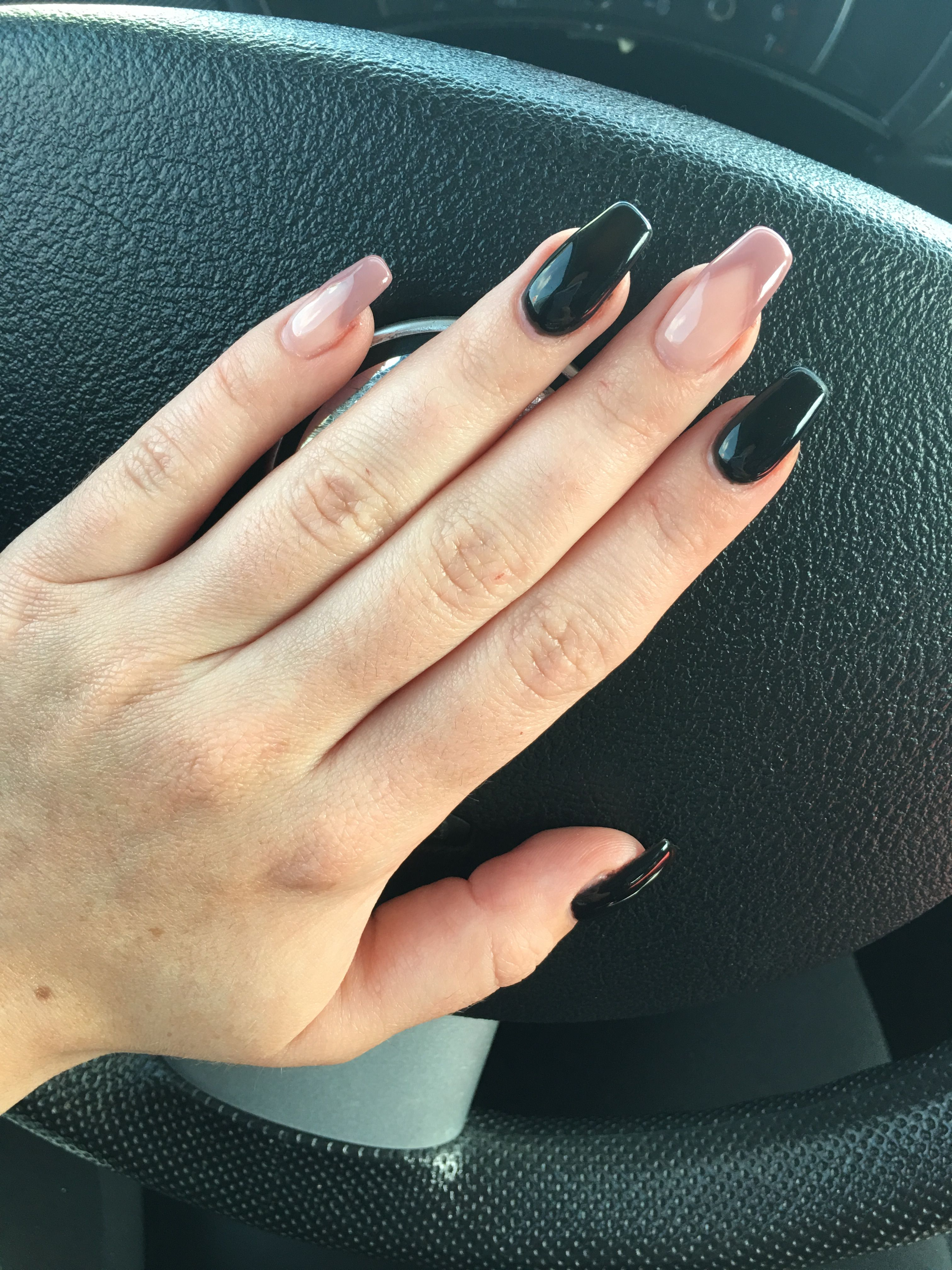 fall 2017 nails coffin shape acrylic black and nude | Nails | Pinterest