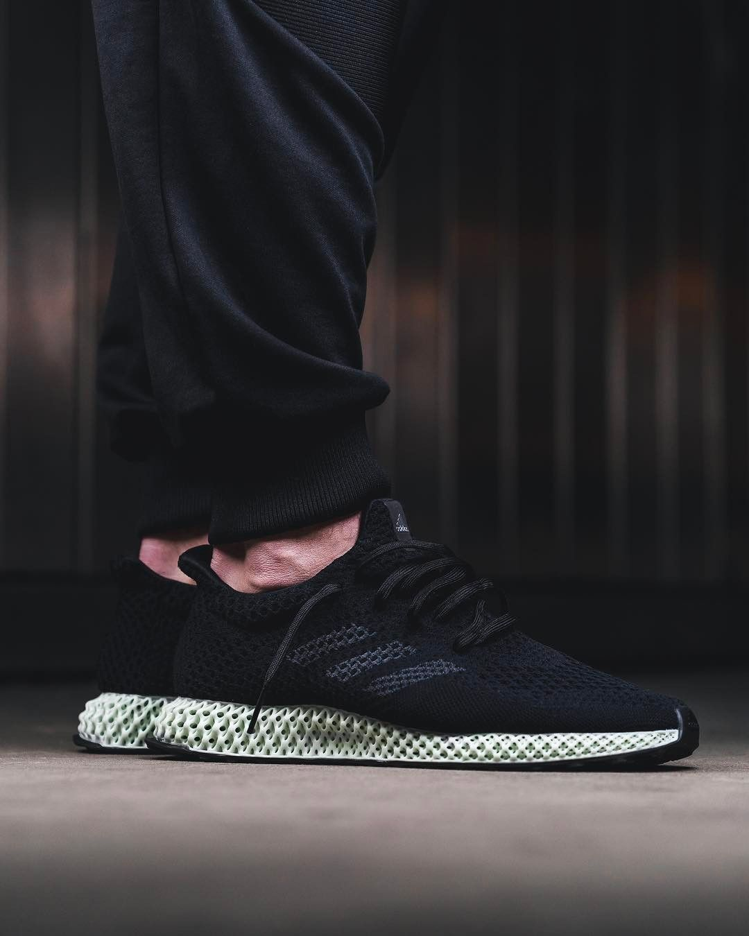 Adidas Futurecraft 4D. 3D Printed Soles With Primeknit