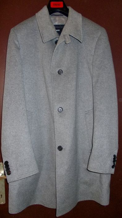 43a1b2ece2a4 Maison de ventes aux enchères en ligne Catawiki  Hugo Boss - manteau ...