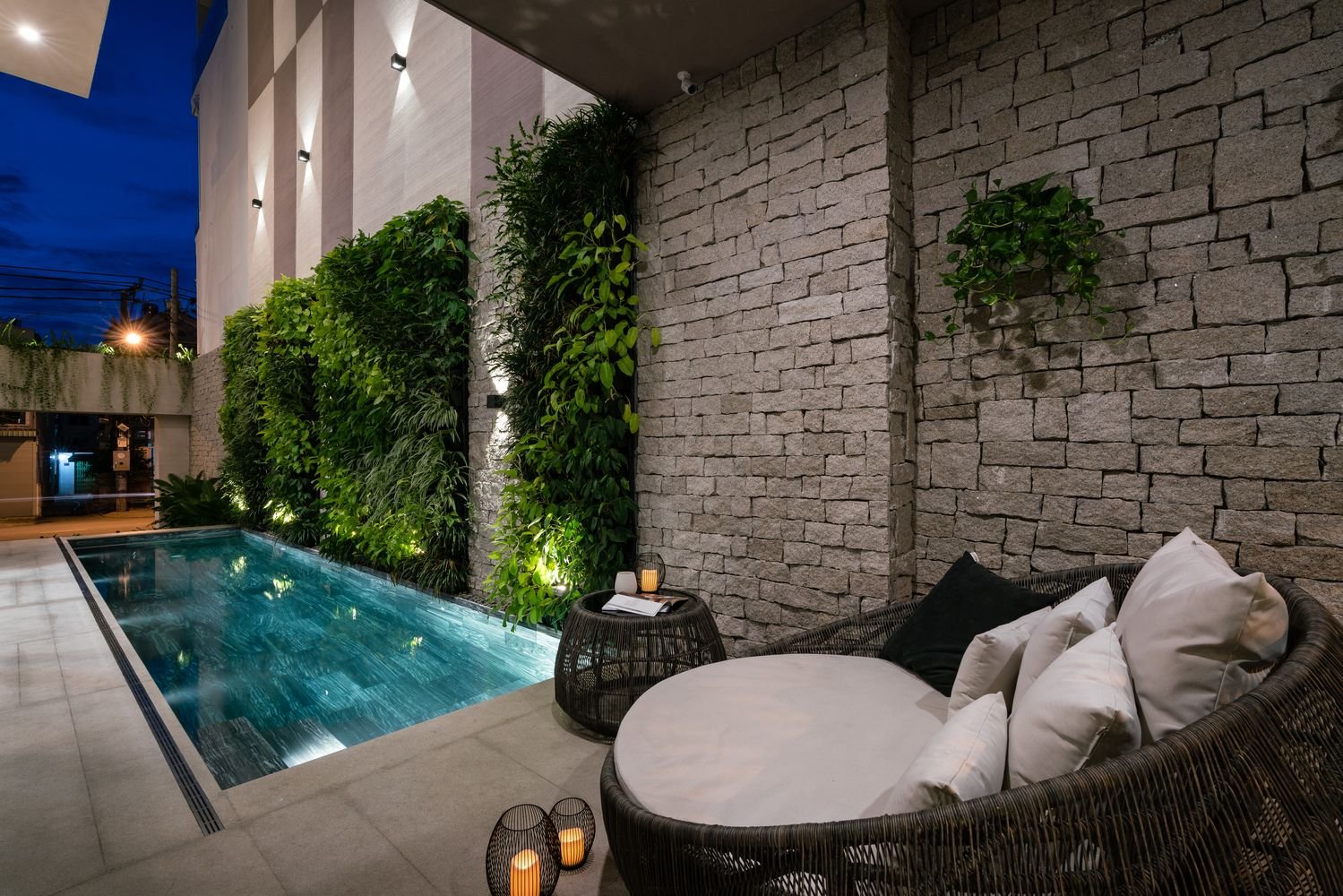 Gallery Of The Rough House Nelo Decor 43 Beautiful Houses Interior Pool Landscape Design Modern House Plans