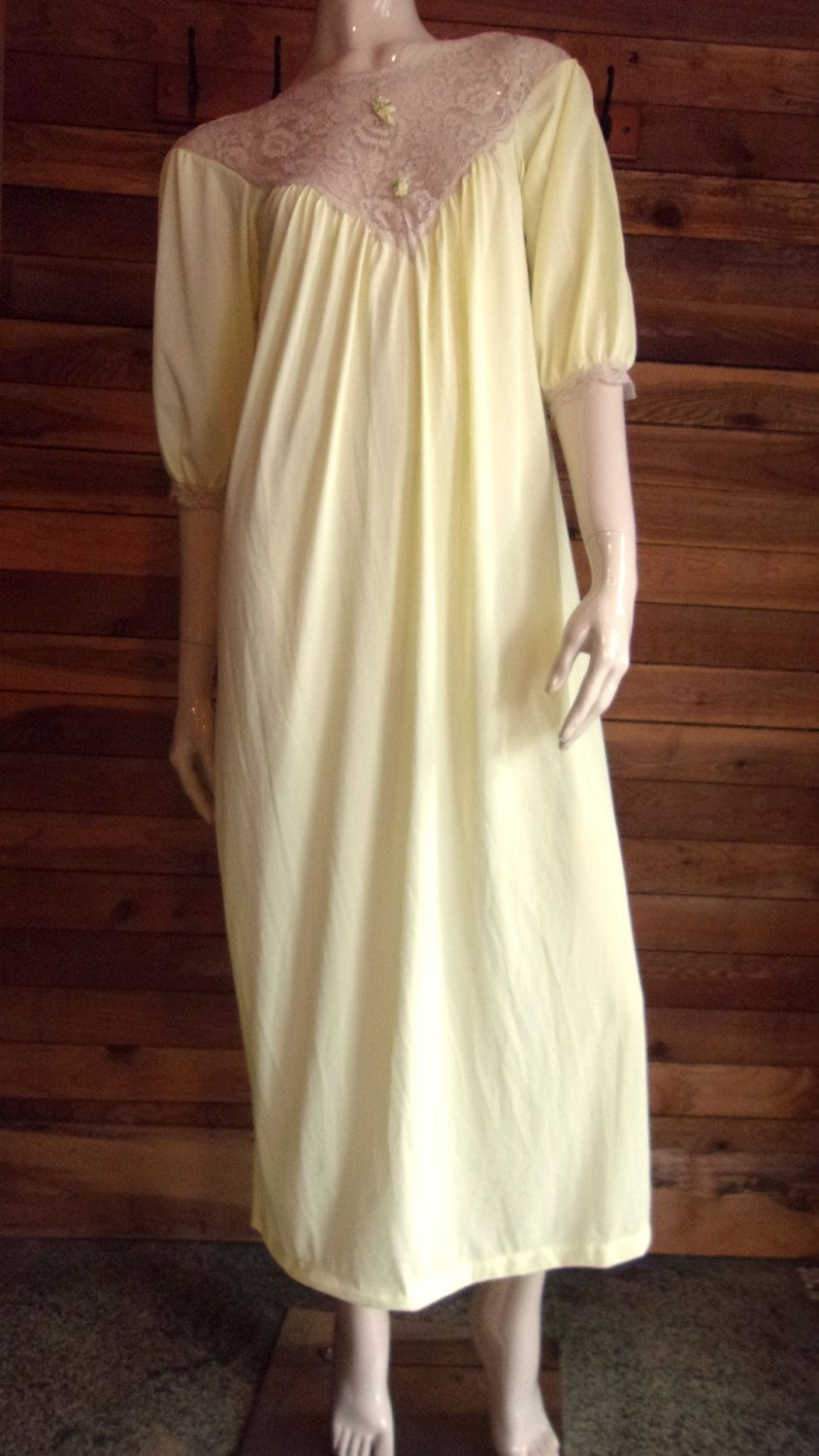 d6e1b1715eb0 Vintage Lingerie 60s ARISTOCRAFT Yellow Size Small Nightgown by  ReallyCoolClothes on Etsy
