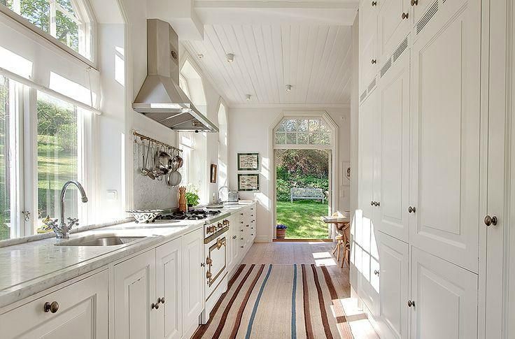 47 Best Galley Kitchen Designs Inspiring Decoration Ideas Decoholic Galley Kitchen Design Functional Kitchen Design Galley Kitchen