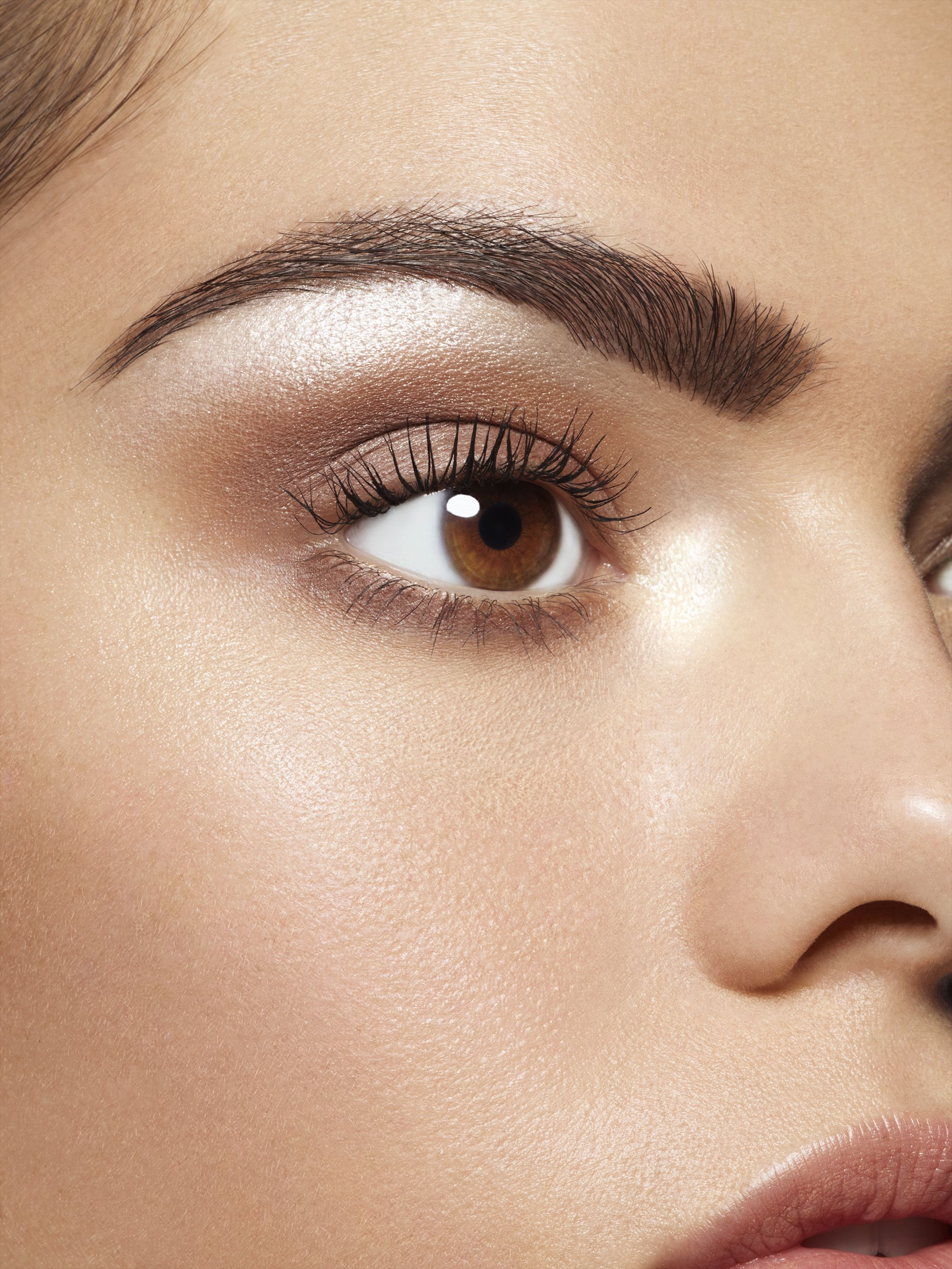 Get beautiful brows and even bigger eyes with the Rimmel London Brow This Way Highlighting pencil. Simply apply t… | Rimmel eyebrow pencil, Arch brows, Big eyebrows