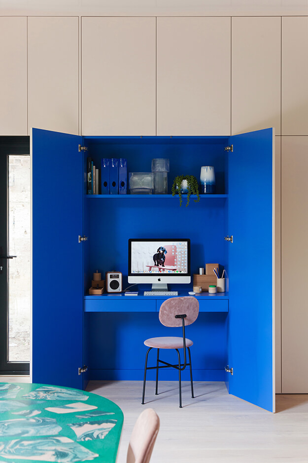 The bold live/work space of 2LG Studio