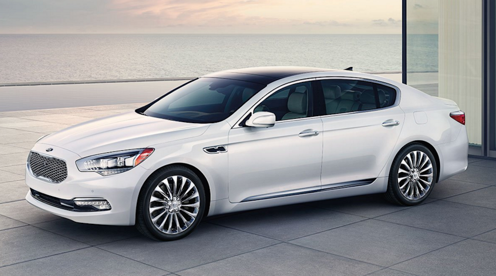 The Kia K900 S Features Prove It S The Ultimate Luxury Car Luxury Cars Car New Engine