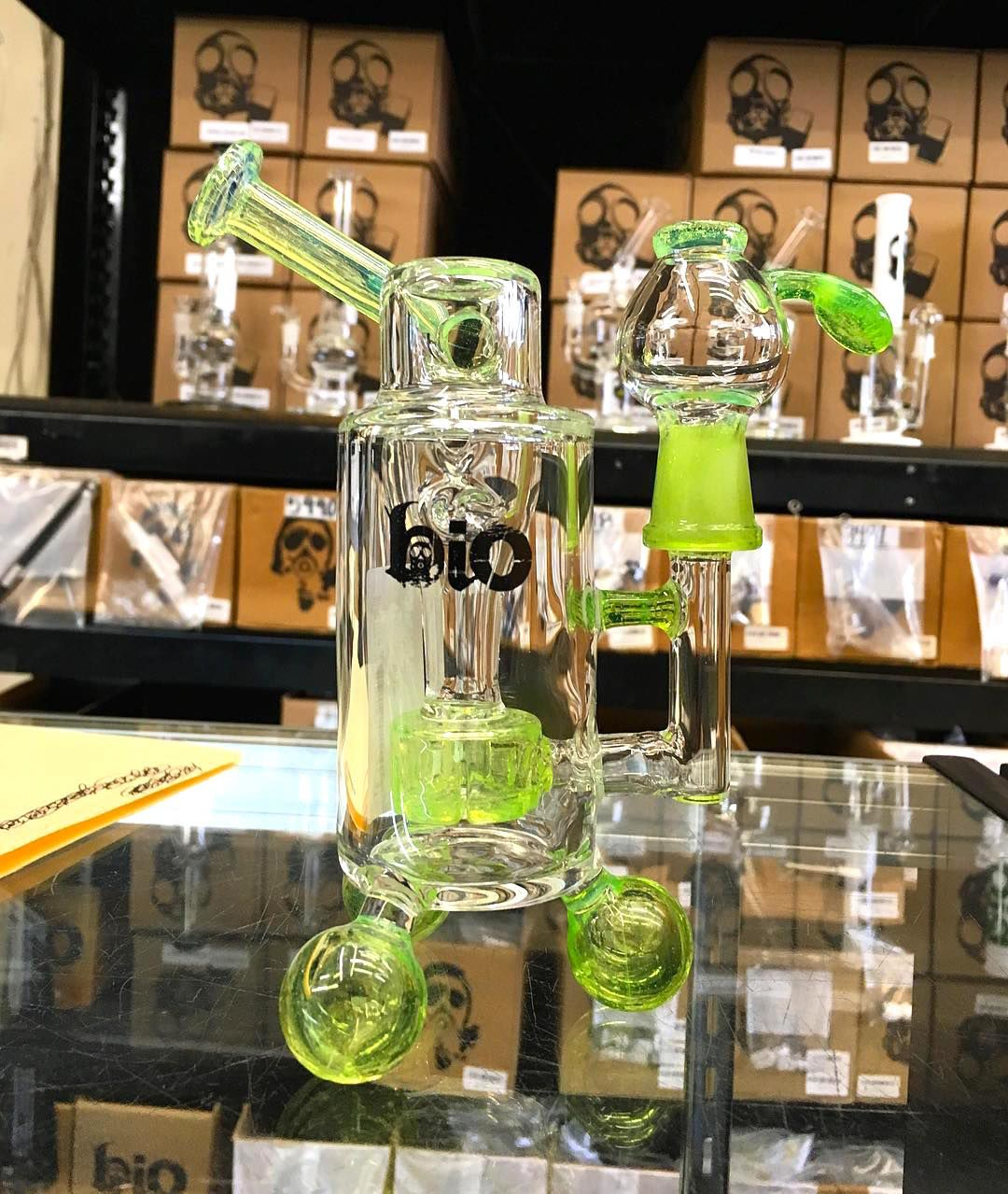 Trippy Green Dab Rig We Pin Unique And Bad Gl Bongs Rigs Water Pipes Check Out Our For On Www Smokehut Co