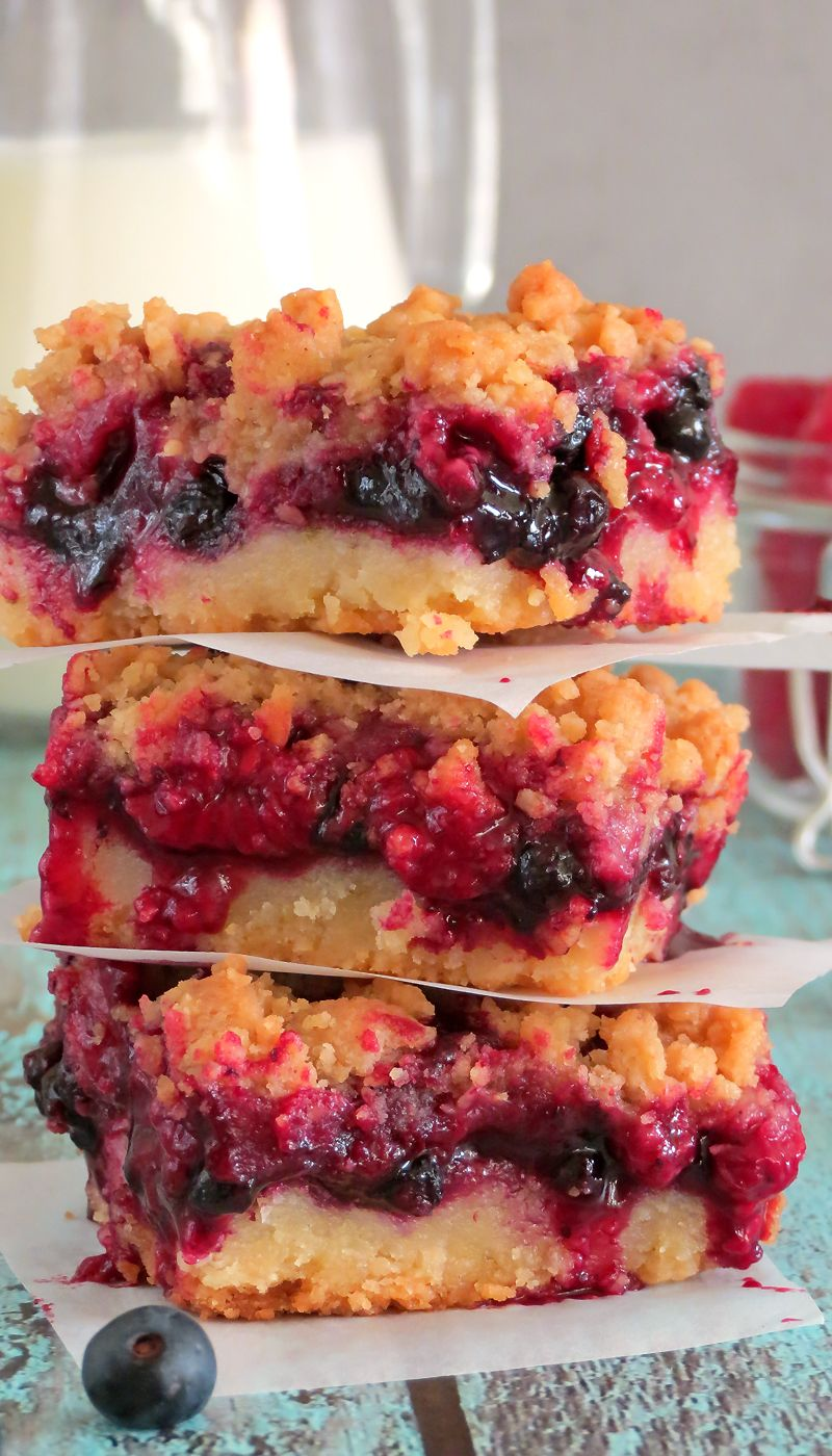 Raspberry Blueberry Crumb Cake Bars | YummyAddiction.com