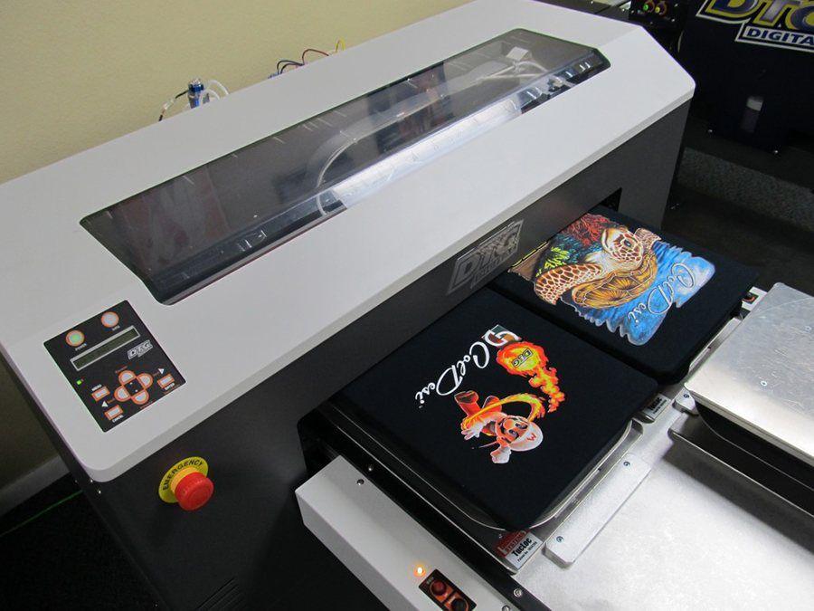 265dbda60e014 Imagen de la máquina de impresión digital (DGT) para personalizar camisetas