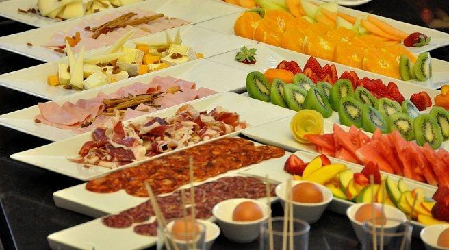 Como poner desayuno tipo buffet navidad buscar con for Cocina moderna tipo buffet
