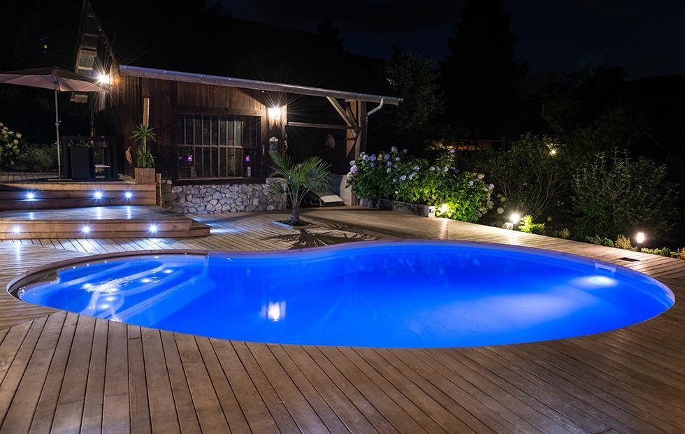 Pin by fernanda esteves on belles piscines et jacousis for Construction piscine waterair eva