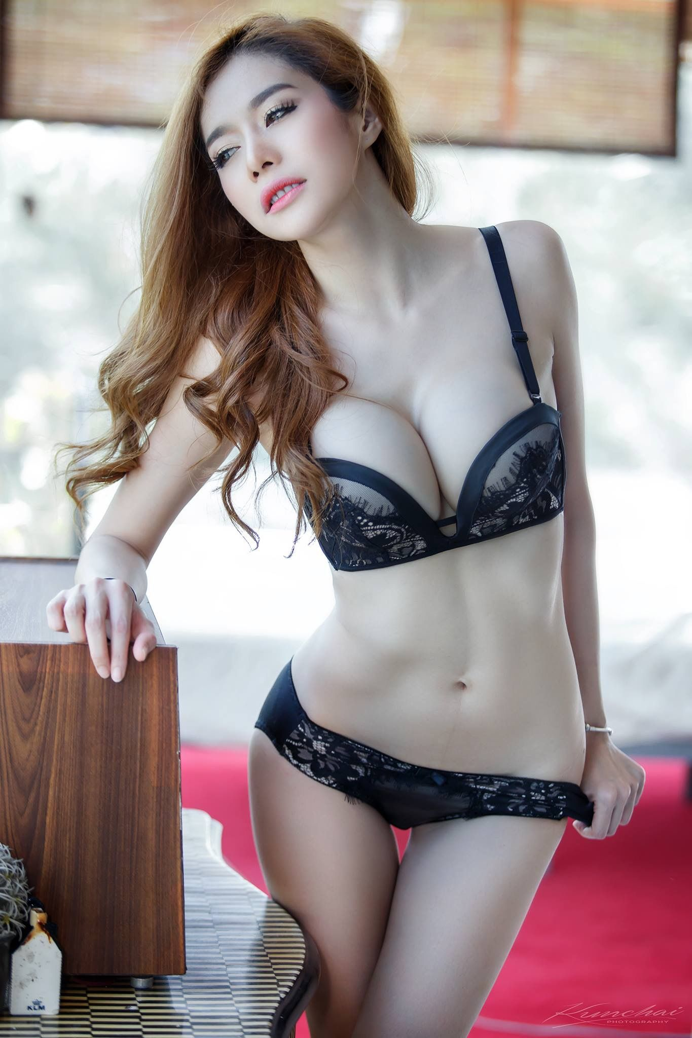 Asian models picture post
