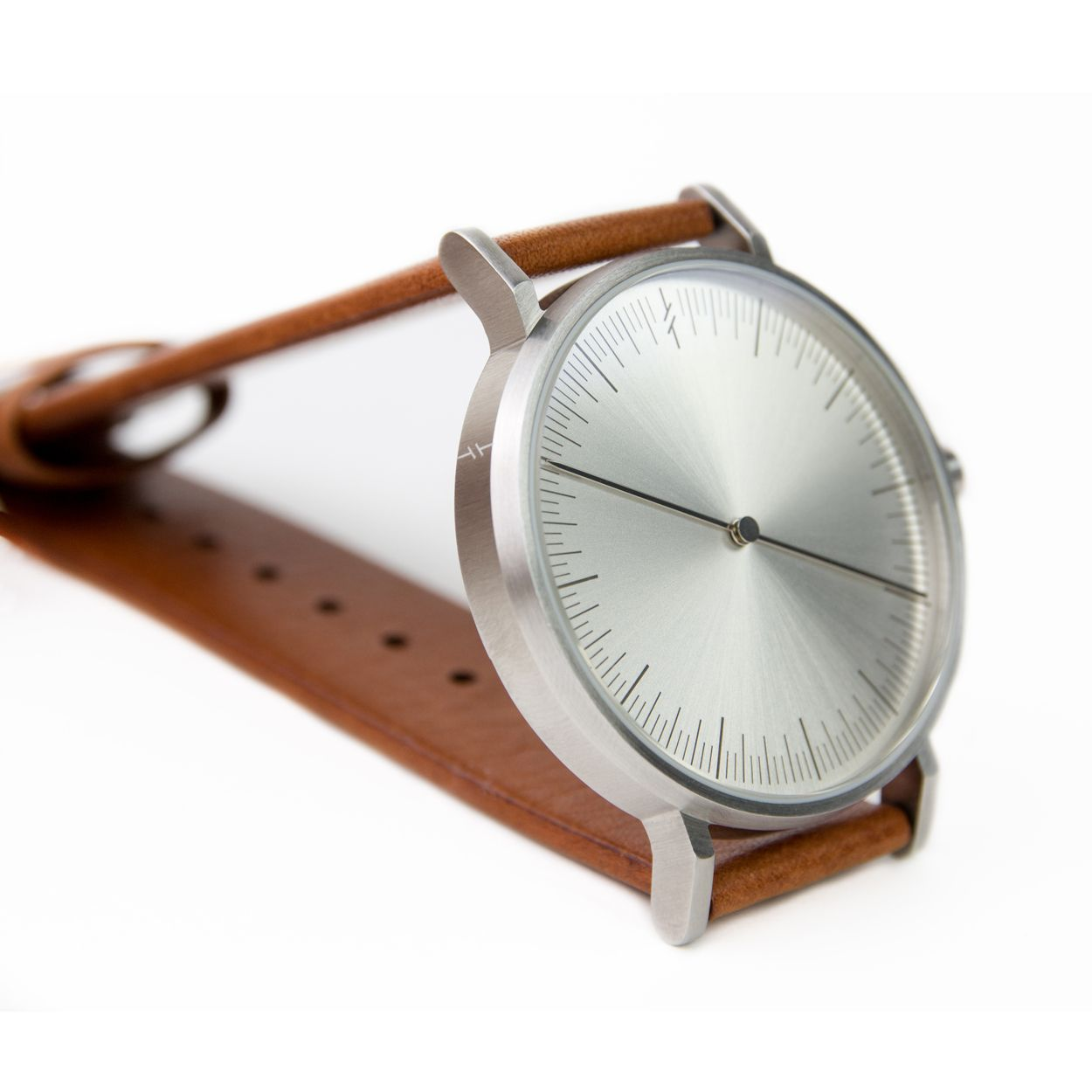 Keep it nice and simple with the Simpl One watch by Bangkok-based brand Simpl. The silver tan colour combination and minimal design makes it an easy-going accessory that is easy to read and to pair with outfits.