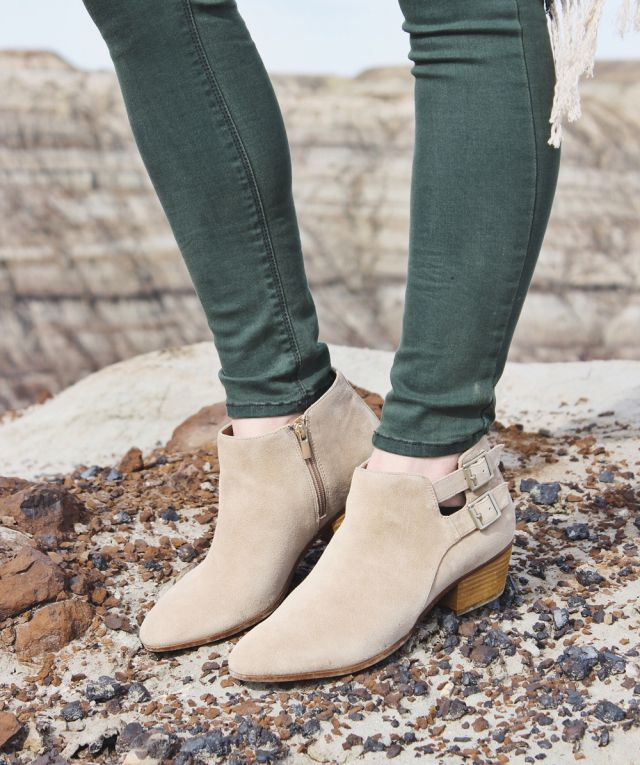 thefoxandfern - Clarks Spring Boots http://www.clarks.co.uk/c/womens-boots
