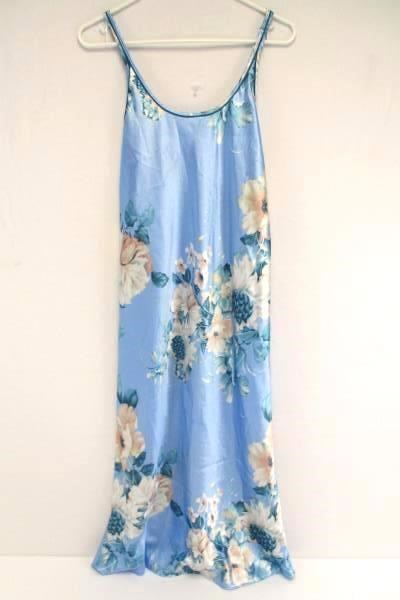 8.91$  Buy here - http://vidxh.justgood.pw/vig/item.php?t=k8zwrt10724 - Morgan Taylor Intimates Blue Floral Nightgown Spaghetti Strap Long Women's Small 8.91$