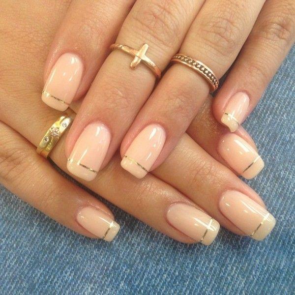 Pastellt ne mit rand aus goldenen streifen nails n gel nageldesign und geln gel - Nageldesign braun beige ...