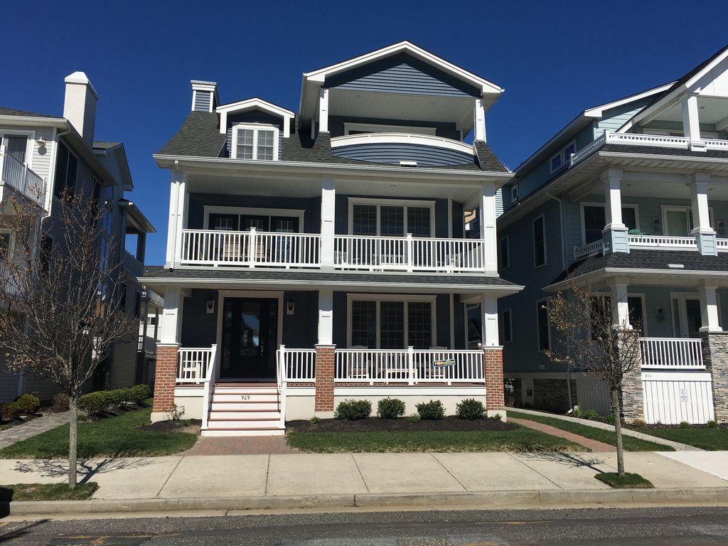 3 Houses to Beach & Boardwalk, Ocean Views, Near Rides