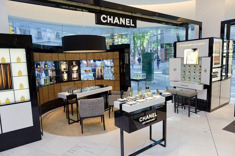 Retail Design | Health & Beauty | Shop Design | Chanel perfume counter