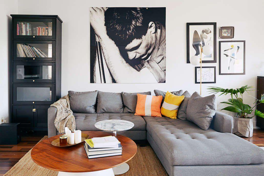 A Sleek And Small Minimal Modern Montreal Apartment Decor