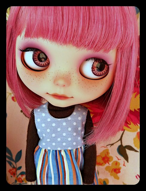 blythe doll - if only all dolls were this lovely. the pink hair doesn't hurt either <3