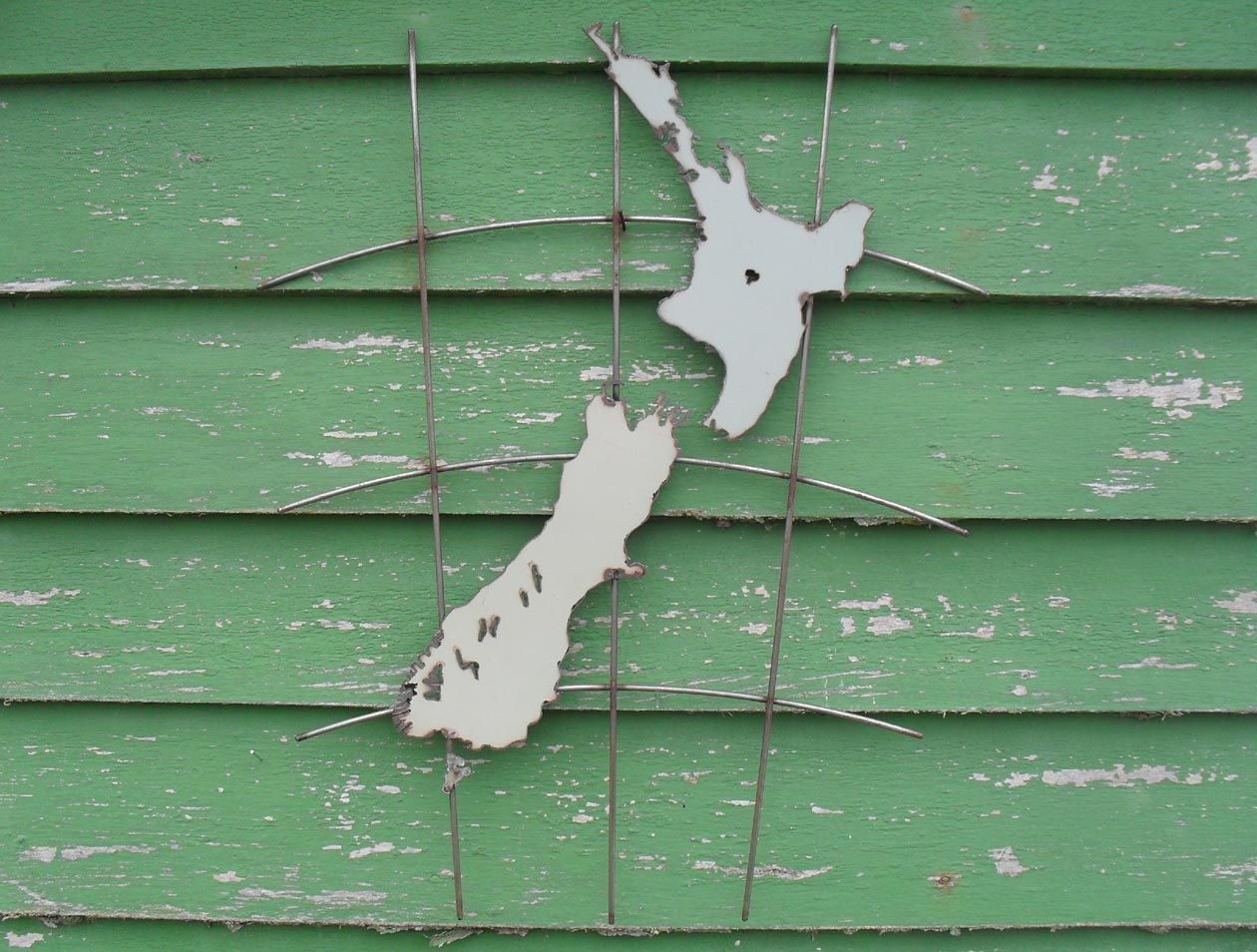 Kiwiana garden art nz map kiwiana