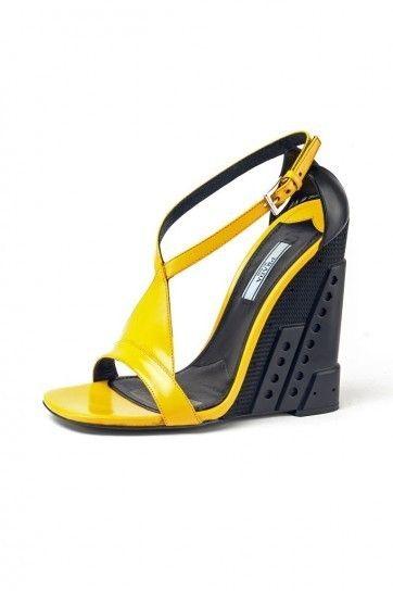 Sandalo giallo e nero