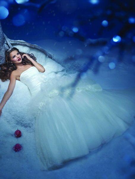 Brautkleid \'Schneewittchen 211\' von Alfred Angelo   Dream World ...