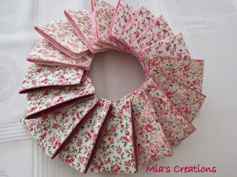 Mia's Creations: Seventeen Wallets, Seven Fabric Baskets And A Puppy--a free pattern, make a boy's wallet into a girl's wallet with girly fabric!