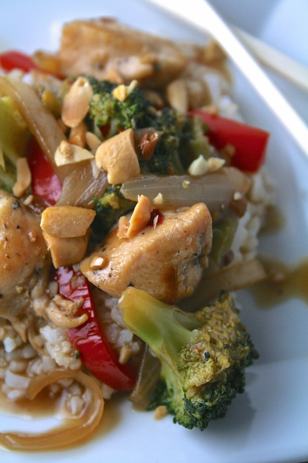Broccoli and red pepper chicken stirfry stuffed peppers