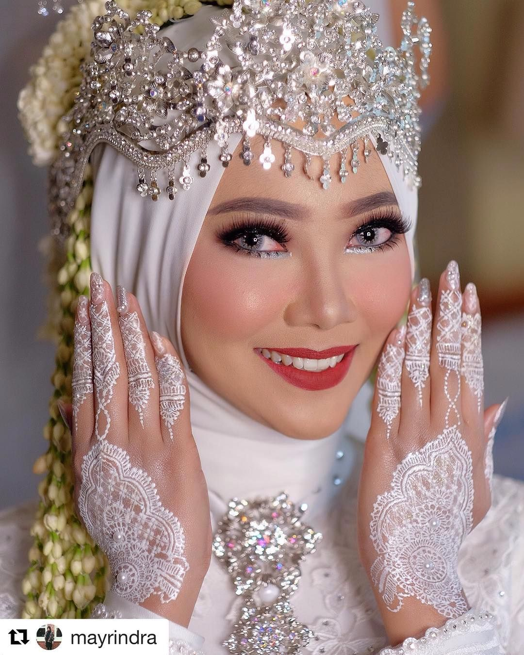 Repost Mayrindra With Get Repost Akad Nikah Mba Siskahelen Sunda Siger Make Up By Me Hijab Siger By Lina He Kerudung Pengantin Pengantin Berhijab Pengantin