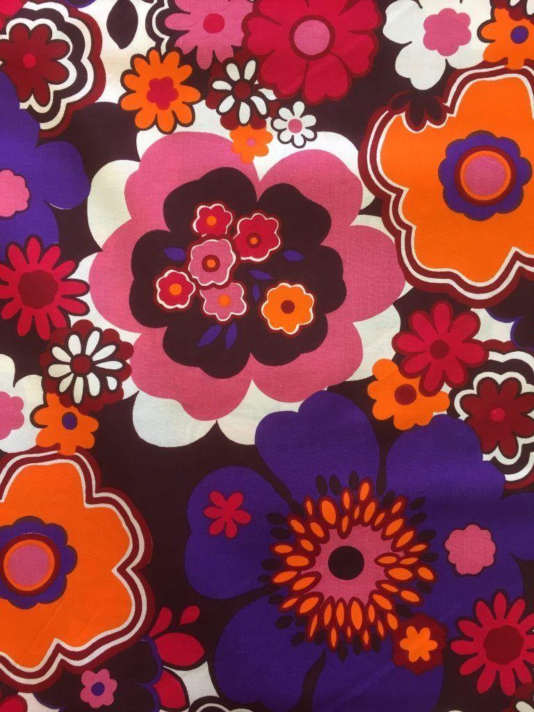 Retro stof met bloemenprint. De echte flowerpower kleuren! Originele ...