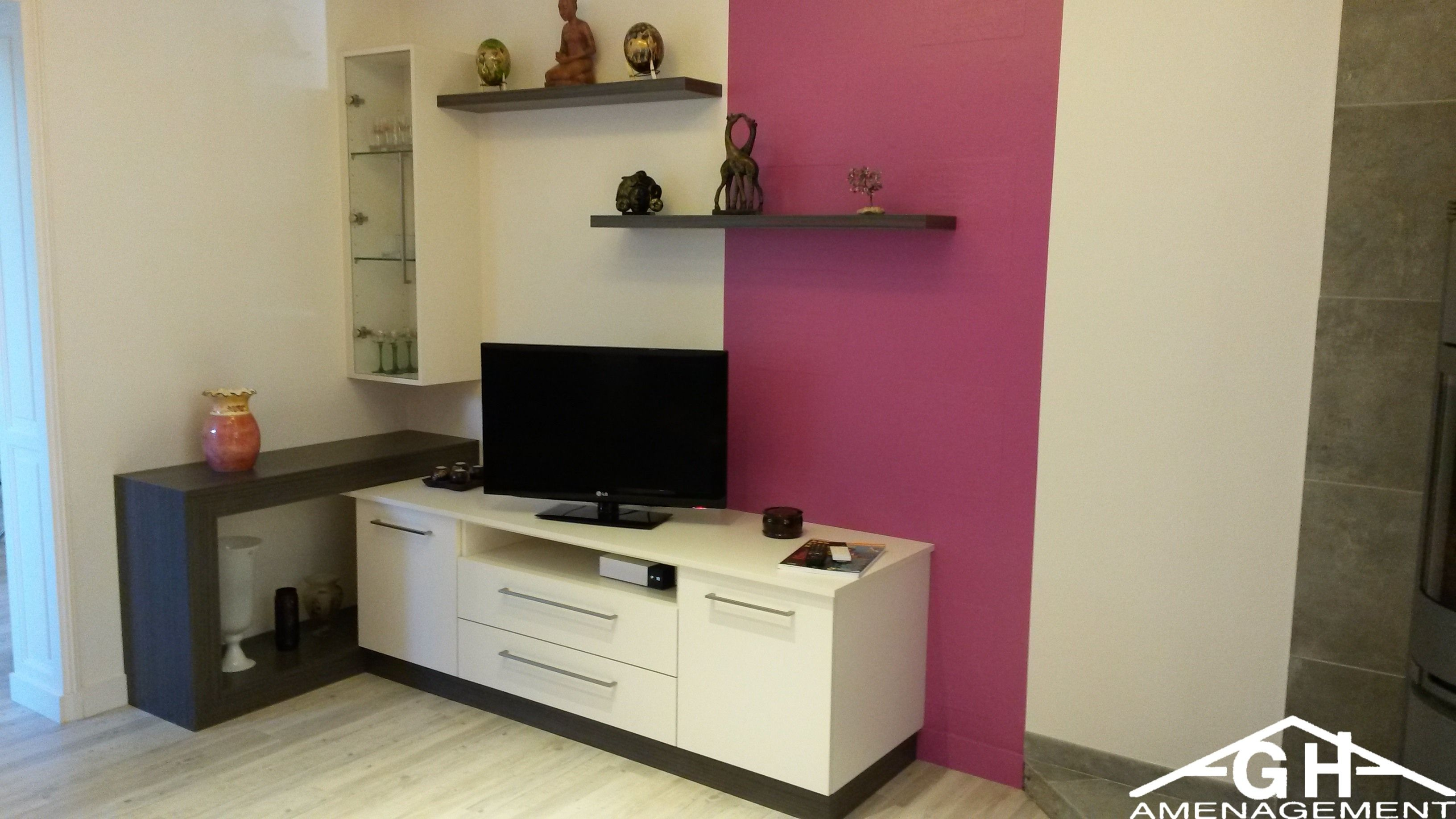 Meuble salon TV avec vitrine, coloris blanc et ton bois - GH
