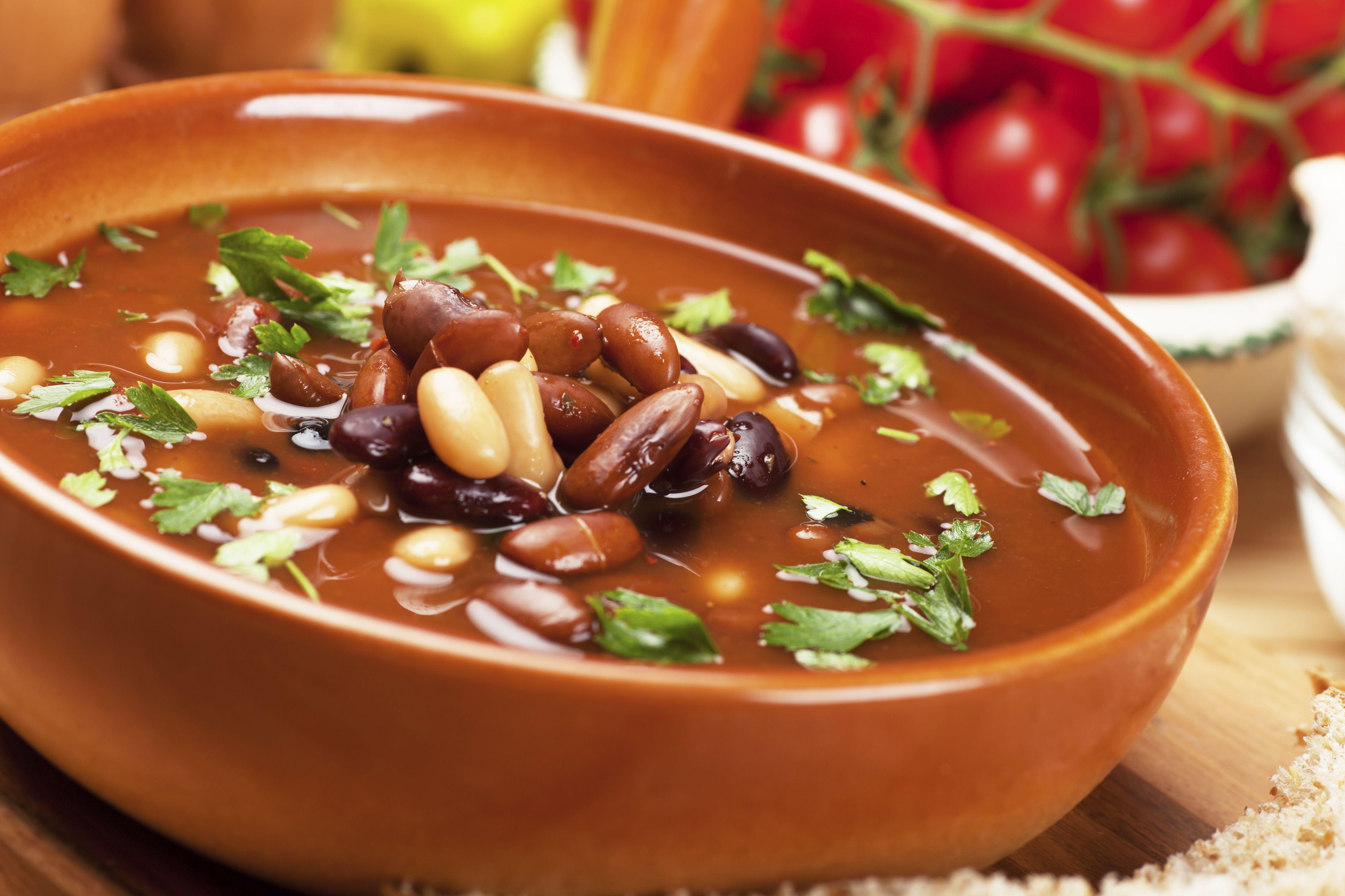 """Retrouvez la photo """"Soupe aux haricots"""" dans notre diaporama intitulé """"10 choses à faire avec une boite de haricots rouges"""" sur 750g."""