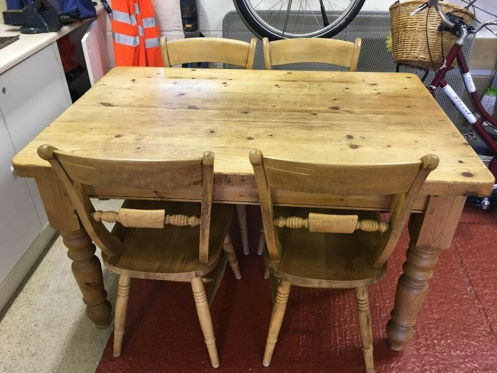 Kitchen Farmhouse Table With Four Chairs Used In Good Condition