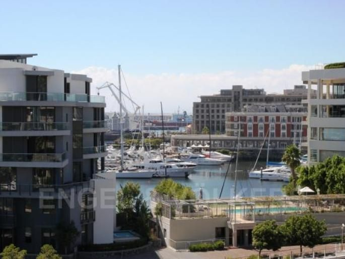 Gorgeous life in the V & A Waterfront