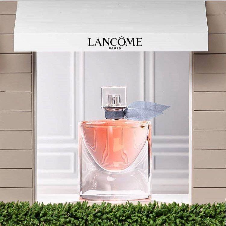 سلام به همراهان عزیز صاد یکی دیگه از دوست داشتنی های خودم که عاشقشم این عطر از برند لانکوم هست محصول ۲۰۱۲ که به Perfume Gift Lancome Cosmetics Perfume